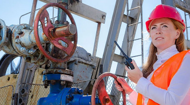 Overcoming Exporting Challenges in Oil and Gas Services