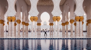White and gold mosque in Abu Dhabi